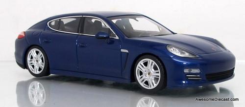 Minichamps 1:43 2011 Porsche Panamera 4 (blue)