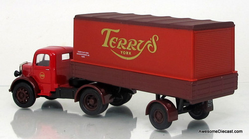 Corgi 1:50 Bedford O Series Artic - Terry's Chocolate