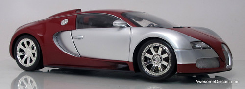 Minichamps 1:18 2009 Bugatti Veyron (Chrome/Red)