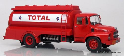 Trucks of the World   FRANCE: 1:43 Unic MZ 36 Tanker - Total