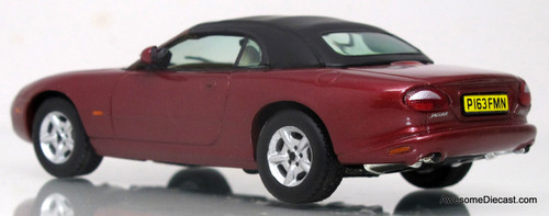 Vitesse 1:43 Jaguar XK8 Coupe (Red)