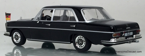 Minichamps 1:43 Mercedes-Benz 300 SEL - Federal Chancellor Willy Brandt