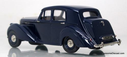 Lansdowne Models 1:43 1951 Bentley MK VI 4-Door Saloon