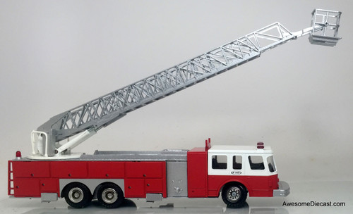 Conrad 1:50 E-One 95' Aerial Fire Ladder Truck