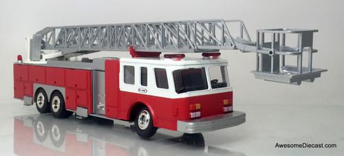 Conrad 1:50 E-One 95' Aerial Fire Ladder Truck