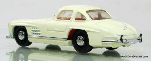 Matchbox Dinky 1:43 1955 Mercedes-Benz 300SL Gullwing White