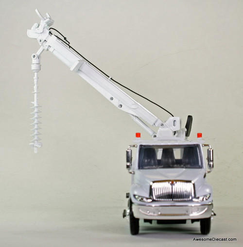 New Ray 1:43 International Auger Truck: Florida Power & Light