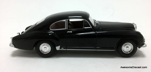 Yat Ming 1:43 1954 Bentley R-Type Continental: Grey