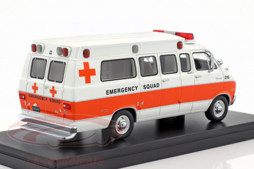 NEO 1:43 1973 Dodge Horton Ambulance