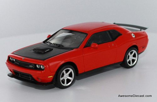 Premium X 1:43 2009 Dodge Challenger SRT10, Viper-Engined