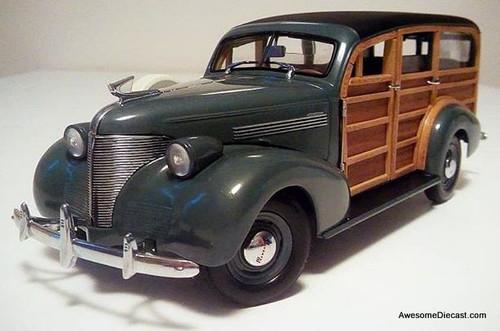 Motor City Classics 1:18 1939 Chevrolet Woody Wagon Green