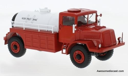Premium ClassiXXs 1:43 Tatra 128C