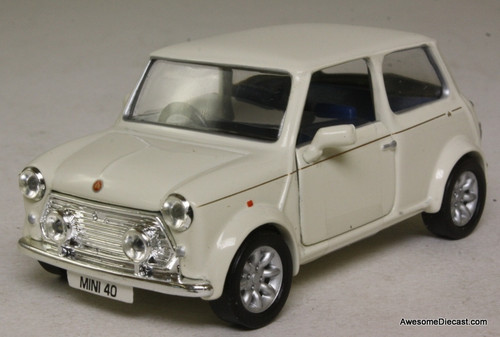 Corgi 1:36 Mini, Old English White '40th Anniversary'
