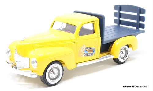 Solido 1:43 Dodge Flat Bed: Sunlight Soap