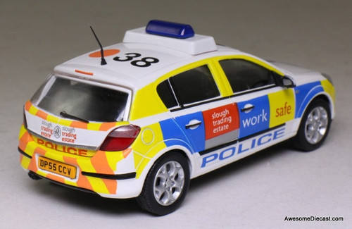 Atlas 1:43 2005 Vauxhall Astra: Thames Valley Police