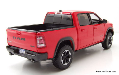 Motormax 1:24 2019 Dodge Ram 1500 Crew Cab Rebel, Red