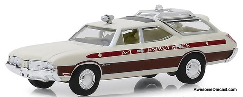 Greenlight 1:64 1970 Oldsmobile Vista Cruiser Ambulance