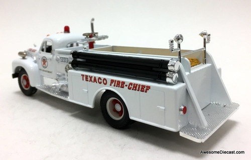 Corgi 1:50 Mack B Series Pumper: Texaco Refineries