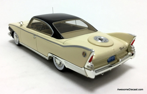 Neo 1:43 1960 Plymouth Fury Coupe