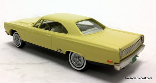 US Model Mint 1:43 1969 Plymouth GTX, Yellow