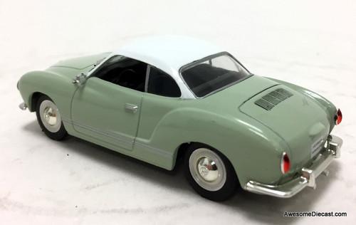 IXO 1:43 1959  Volkswagen Karmann Ghia, Green/White