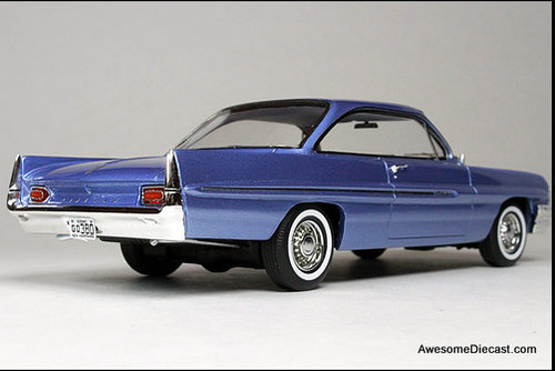 Goldvarg Collection 1:43 1961 Pontiac Catalina, Twilight Mist