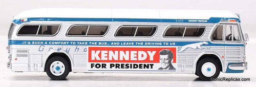 Iconic replicas 1:87 GM PD4104 Coach: Greyhound Bus Lines / Kennedy Campaign Bus