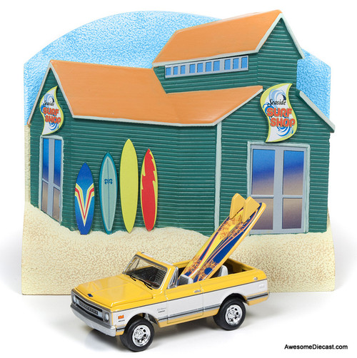 Johnny Lightning 1:64 1970 Chevrolet Blazer With Seaside Surf Shop