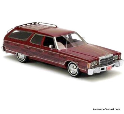 NEO 1:43 Chrysler Town and Country Station Wagon