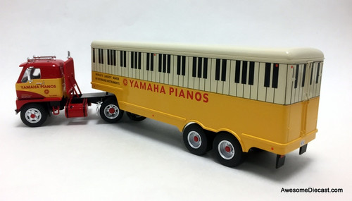 IXO 1:43 International Harvester DCOF-405 Tractor W/Trailer: Yamaha Pianos
