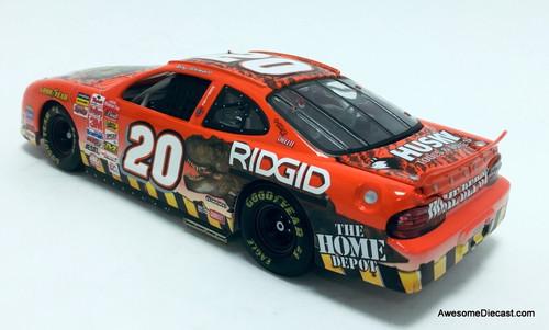 Revell 1:24 2001 Pontiac Grand Prix #20 Home Depot/Jurassic Park: Tony Stewart