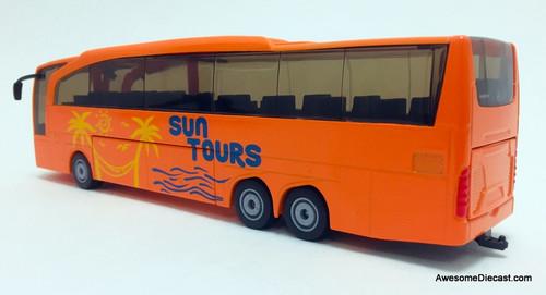 SIKU 1:50 Mercedes-Benz Travego Reisebus: Sun Tours