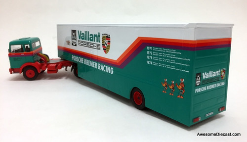 IXO 1:43 Mercedes Benz LPS 1632 Car Transporter: Porsche Kremer Racing