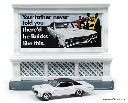 Johnny Lightning 1:64 Buick 400 GS w/Buick City Billboard