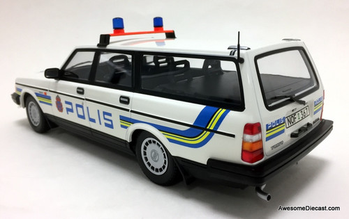 Minichamps 1:18 1986 Volvo 240 GL Wagon: Swedish Police