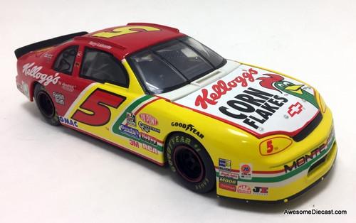 Revell 1:24 1997 Chevrolet Monte Carlo #5 Kelloggs Corn Flakes: Terry Labonte