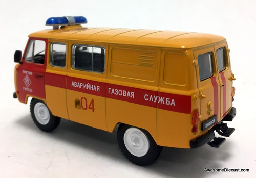 DeAgostini 1:43 1965 UAZ-452 (UAZ-3909) 4x4 Emergency Gas Service: Moscow, Russia