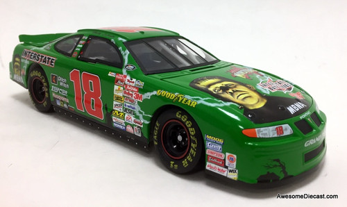 Revell 1:24 2000 Pontiac Grand Prix #18 Interstate Batteries/Universal Studios Monsters: Bobby Labonte