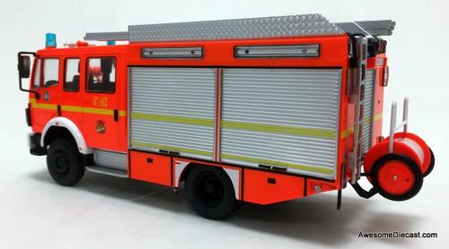 IXO 1:43 1995 Mercedes LF 1224 Crew Cab Fire Tanker Truck: Hamburg Fire Department, Germany