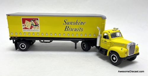 First Gear 1:34 1960 Mack B-61 Tractor w/Trailer: Sunshine Biscuits