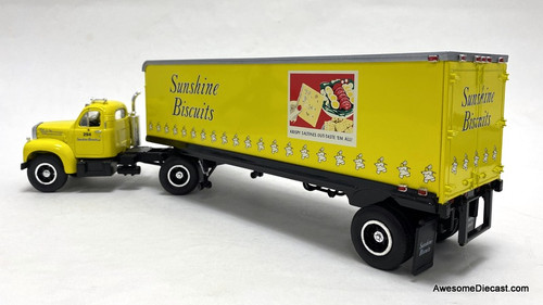 First Gear 1:34 1960 Mack B-61 Tractor w/Trailer: Sunshine Biscuits