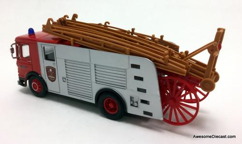 Corgi 1:50 1972 Pump Escape Fire Truck: Nottingham Fire Brigade