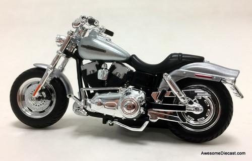 Maisto 1:18 2009 Harley Davidson FXDFSE CVO Fat Bob, Metallic Silver