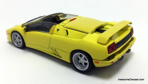 IXO 1:43 2000 Lamborghini Diablo Roadster, Yellow