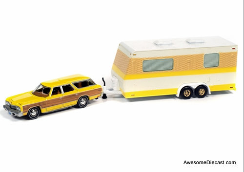 Johnny Lightning 1:64 1973 Chevrolet Caprice Wagon w/Camper Trailer