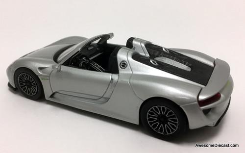 IXO 1:43 2013 Porsche 918 Spyder, Metallic Silver
