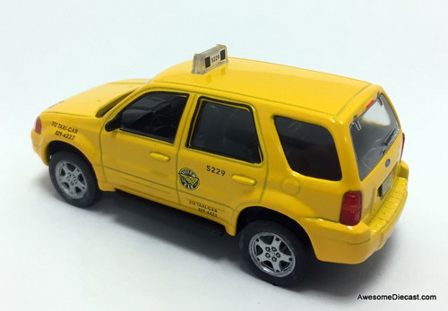 IXO 1:43 2005 Ford Escape Hybrid: Chicago Taxi