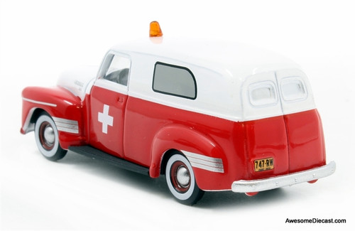 Oxford 1:87 1950 Chevrolet Panel Van: American Ambulance