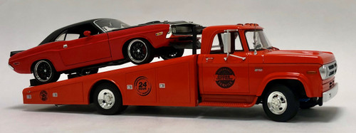 Acme 1:18 1970 Dodge D-300 Ramp Truck w/ 1970 Dodge Challenger R/T Street Fighter
