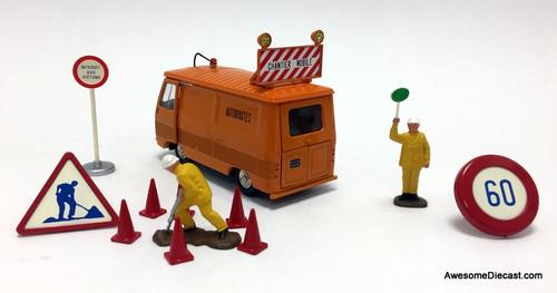 Dinky 1:43 Peugeot J7 Van: Highway Maintenance Repair Vehicle / Set
